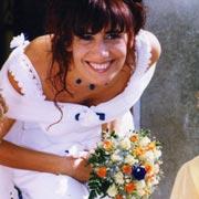 Poggio Mirteto luglio 1999. La fata turchina vestita per un'occasione speciale. Il ranocchio si è ormai trasformato in marito.