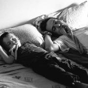Maggio 2003. Siesta con succedanei del ciuccio per zio e nipote in fotocopia.